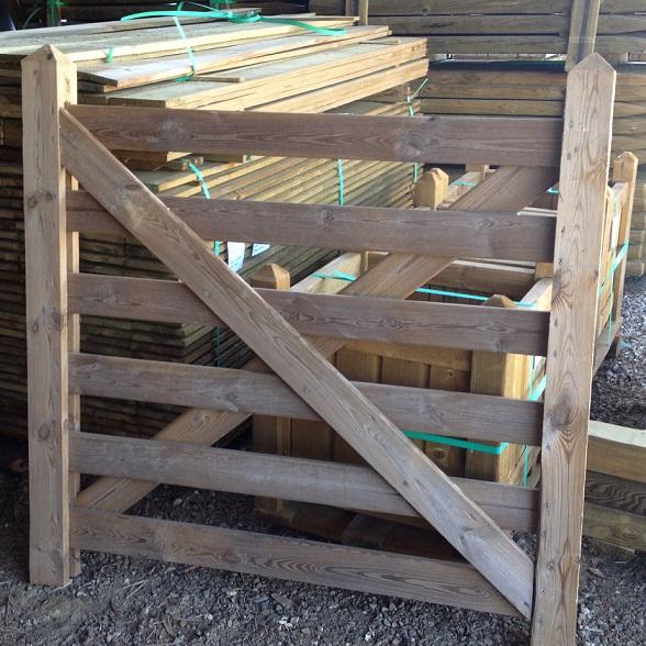 Portail paddock portillon lavaud piquets for Portillon hauteur 1m20